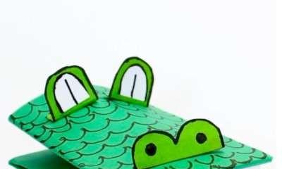 Euroa Library - Frog & Croc Puppets