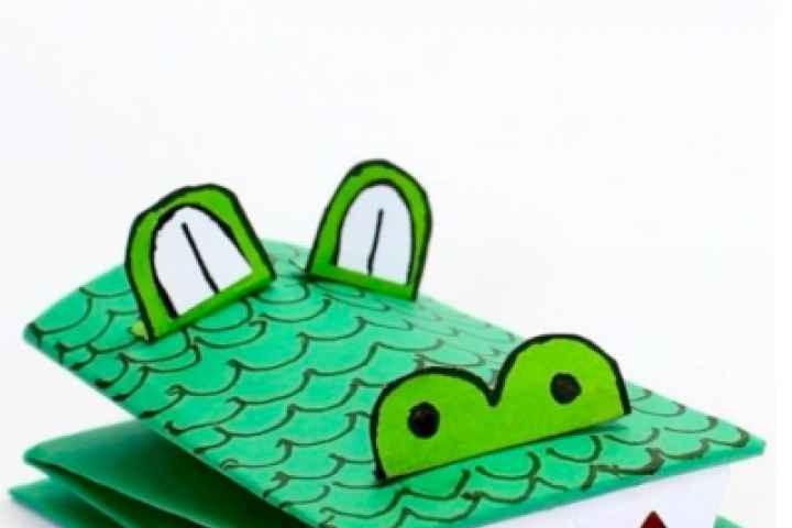 Numurkah Library - Frog & Croc Puppets