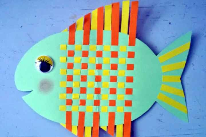Nagambie Library - Fish Paper Weaving